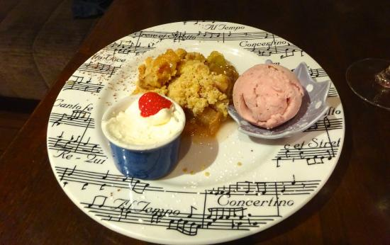 Murphy Blacks Restaurant: our delicious dessert