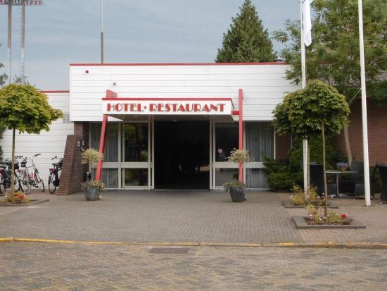 ... nette badkamer. - Picture of Hotel Hoogeveen, Hoogeveen - TripAdvisor