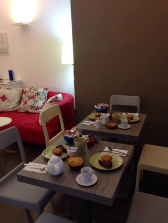Napoliday Bed & Breakfast - Residence : Breakfast