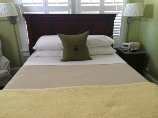 Hemingway House Bed & Breakfast: The Martha Gellhorn Room - Hemingway House B&B