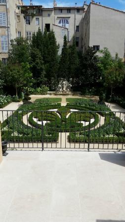 Les jardins picture of hotel de caumont art centre for Le jardin des 5 sens aix en provence