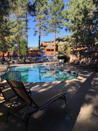 Holiday Inn Express South Lake Tahoe : Pool and hot tub