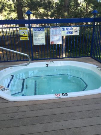 Holiday Inn Express South Lake Tahoe: Pool and hot tub