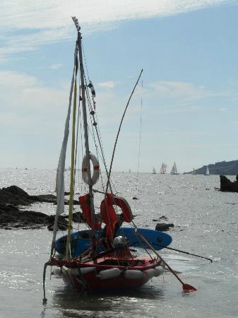 Kerfany Plage : un bateau qui passait par là...
