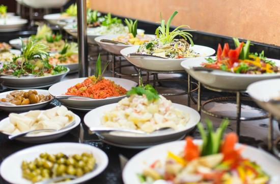 Anantara Desert Islands Resort & Spa: Abendessen