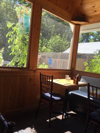 Lucky Hank's Restaurant & Cafe: photo1.jpg