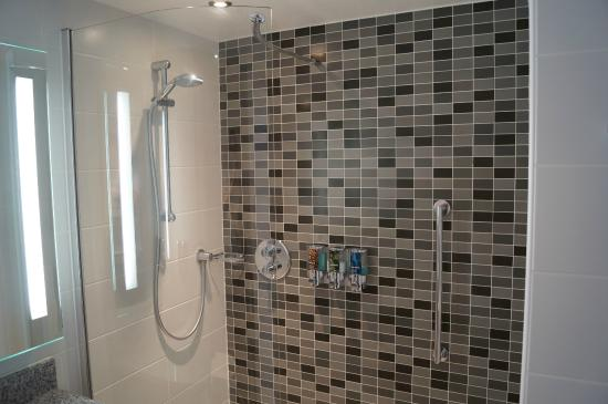 Hampton By Hilton Newcastle Bathroom Shower Only No Bath
