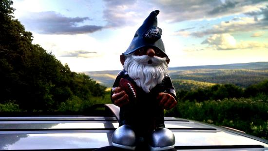 Kettle Creek Adventures Lodge and B&B: Gnome in God's Country