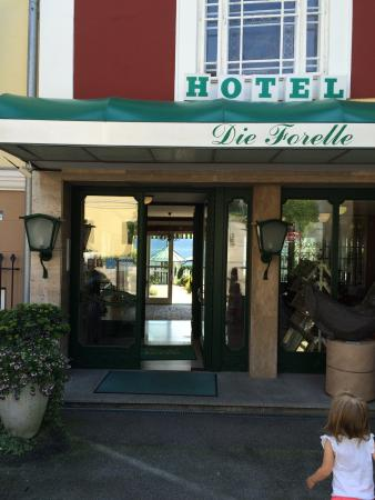 Hotel am See - Die Forelle: Main entrance