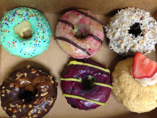 Hello Donuts: Delicious