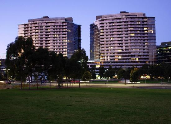Watergate Apartments Located In The Heart Of Docklands