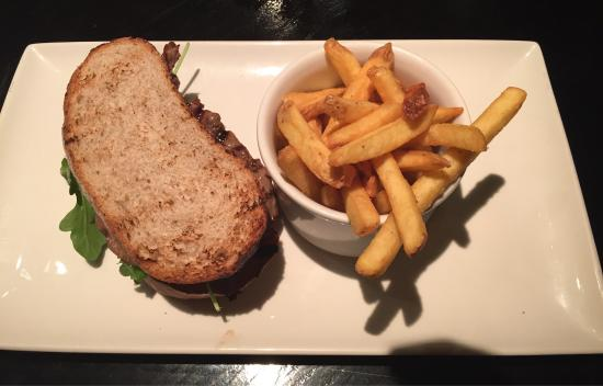 Browns Brasserie & Bar Old Jewry : Grilled steak sandwich...really nice:) 😊