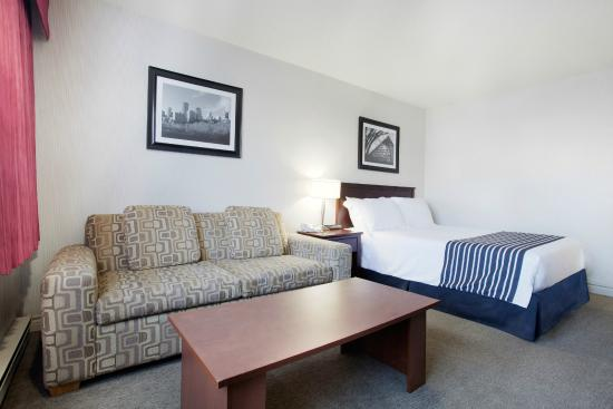 Sandman Hotel Edmonton West: Guest Room