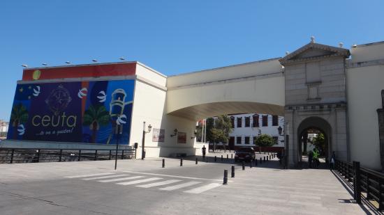 Plaza de África: Entering downtown Ceuta