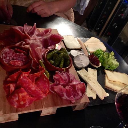 LOFT 33 : Belles assiettes pour accompagner les dégustations
