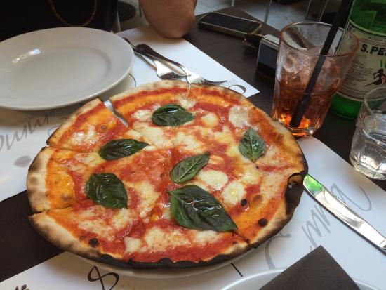 Pizza con pata negra emma pizzeria roma picture of emma rome tripadvisor - Pizzeria con giardino roma ...