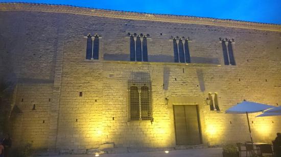 Peratallada, Spanien: Muy buena visita guiada, nik es encantador. Nos sorprendió sobre todo la forma de contar las his