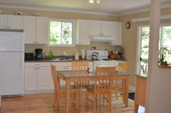 Indian Brook, Canada: 2-bedroom house Dining /kitchen