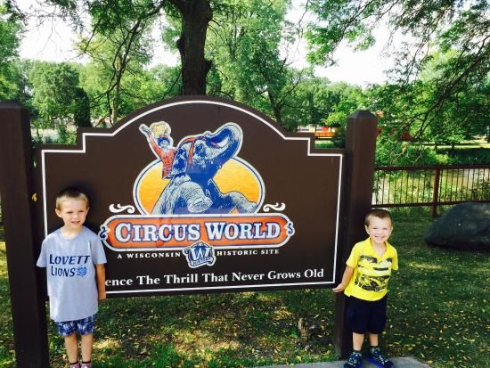 Baraboo, WI: Happy boys after a full and fun day at circus world