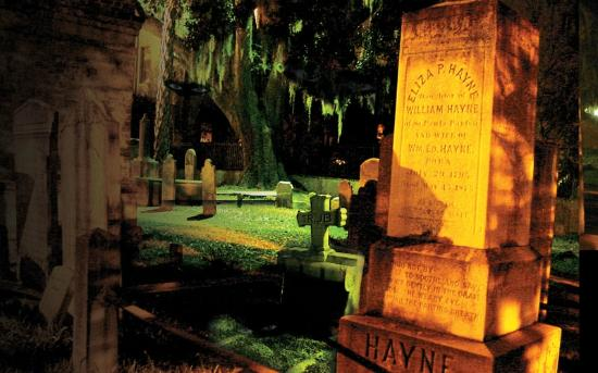 ‪Charleston Ghost & Graveyard Tour‬