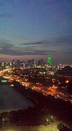 Renaissance Dallas Hotel: Dallas view from my room