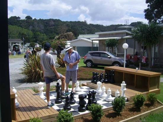 Whangateau Holiday Park: Chess fun