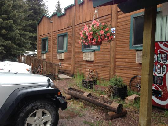 Montana Pines Motel: Montana Pines at Seeley Lake, Montana