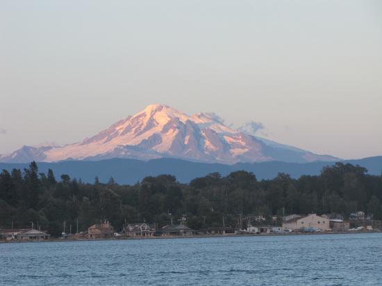 Lummi Island, WA: Mount Baker