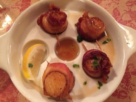 Jeff's Maine Seafood: Bacon wrapped Scallops