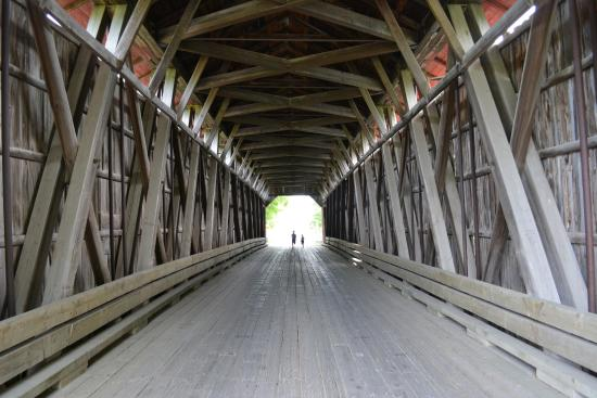 Notre-Dame-de-Stanbridge, Canada: Inside the bridge