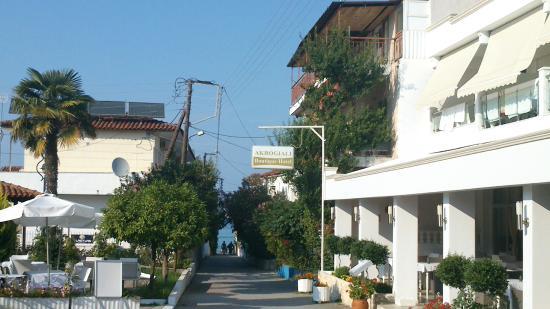 Akrogiali Boutique Hotel : close beach