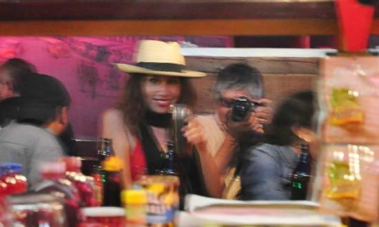 Avenida Revolucion: La Ballena Bar con Lorenzana