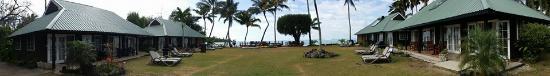 Muri Beachcomber: Panoramic view of seaside units