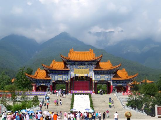 Chongsheng Three Pagodas: Chongseng Temple