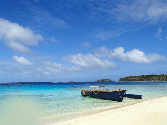 Treasure Island Eueiki Eco Resort : Treasure Island's custom built boat