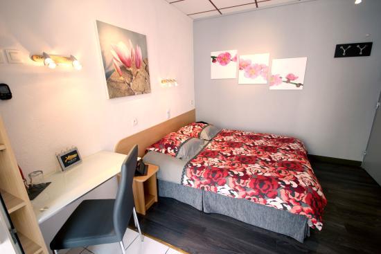 Hotel des Allees: Chambre double avec balcon