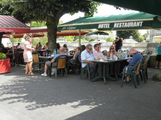 Le Coligny: Déjeuner en terrasse