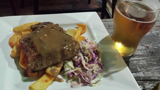 Down Under Bar and Grill: Steak slaw and chips and a spirit based drink for $10