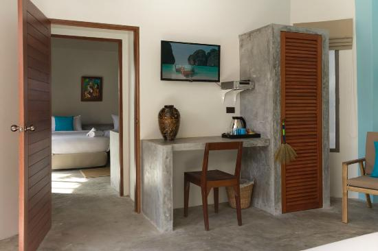 Secret Garden Beach Resort: Connecting Deluxe Garden Bungalows (Family room)