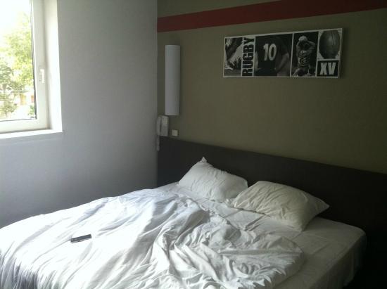 Hotel Republique : Literie correcte