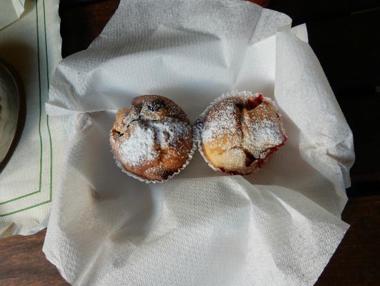 Kookaburra Lodge: muffins!