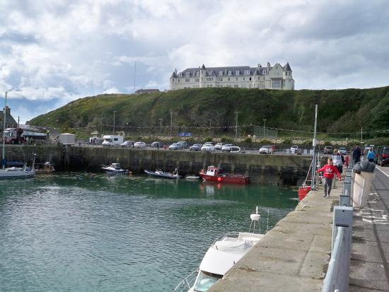 The Portpatrick Hotel: Hotel from the harbour