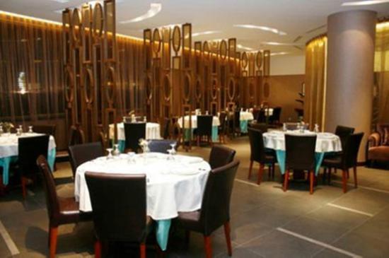 BEST WESTERN Grandsky Hotel Beijing : Metro Duck Restaurant