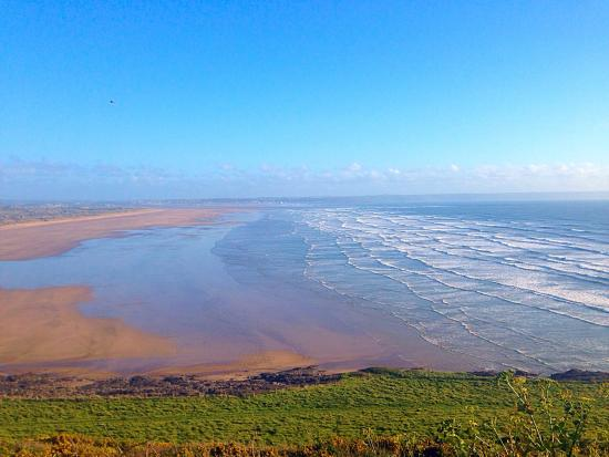 Saunton, UK: View from the hilltop road