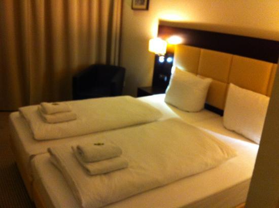 Zi Hotel & Lounge: Номер большой и уютный