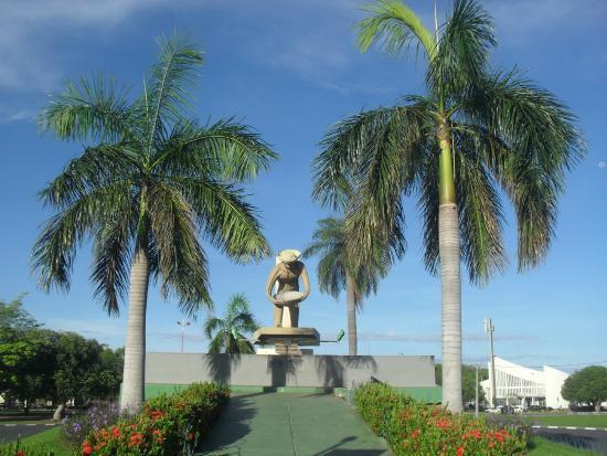 Monumento Ao Garimpeiro