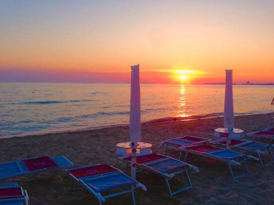 Zeus Beach: Zeus