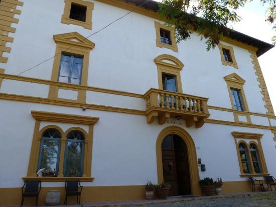 Villa Il Palazzino: vista general de la entrada