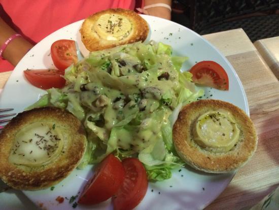 Repas du soir 14 08 entr e salade ch vre chaud plat for Entree de repas