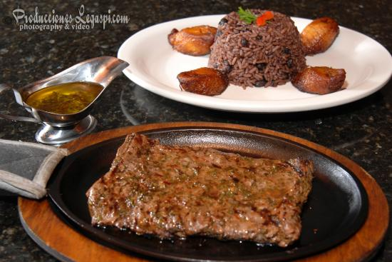 West Caribbean Cuban Restaurant: Churrasco (Skirt Steak)